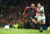 Fotball<br /> Barcelona Historie<br /> Foto: ColorsportDigitalsport<br /> NORWAY ONLY<br /> <br /> RYAN GIGGS (MAN UTD) LUIS ENRIQUE (BARCELONA). MANCHESTER UNITED V BARCELONA, 16/9/98, UEFA CHAMPIONS LEAGUE, MANCHESTER.