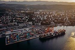 THEMENBILD - das Containerschiff MSC Sonia im Hafen in der Morgensonne, aufgenommen am 15. August 2019 in Rijeka, Kroatien // the container ship MSC Sonia in the morning sun at the port of Rijeka, Croatia on 2019/08/15. EXPA Pictures © 2019, PhotoCredit: EXPA/ JFK