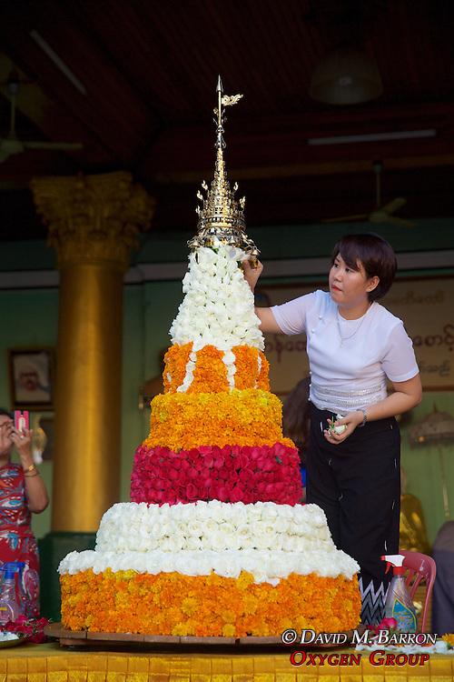 Preparations For Festival Of The Moon, Shwedagon Pagoda