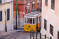 Portugal, Lisbonne, funiculaire da Lavra // Portugal, Lisbon, Lavra Funicular