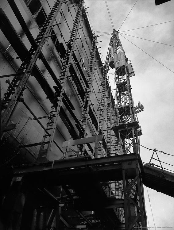 Crane, Cunard Lines, England, 1934