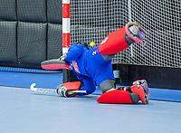 ROTTERDAM - keeper Maria van Tienen (Adam)  dames Amsterdam-SCHC.   ,hoofdklasse competitie  zaalhockey.   COPYRIGHT  KOEN SUYK