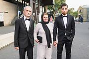 Gala Voetballer van het Jaar 2018 bij Studio 21 in Hilversum.<br /> <br /> Op de foto:  Alireza Jahanbakhsh en zijn ouders