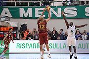 DESCRIZIONE : Siena Lega A 2013-14 Montepaschi Siena Umana Venezia<br /> GIOCATORE : smith andre<br /> CATEGORIA : controcampo tito tre punti<br /> SQUADRA : Umana Venezia<br /> EVENTO : Campionato Lega A 2013-2014<br /> GARA : Montepaschi Siena Umana Venezia<br /> DATA : 11/11/2013<br /> SPORT : Pallacanestro <br /> AUTORE : Agenzia Ciamillo-Castoria/GiulioCiamillo<br /> Galleria : Lega Basket A 2013-2014  <br /> Fotonotizia : Siena Lega A 2013-14 Montepaschi Siena Umana Venezia<br /> Predefinita :