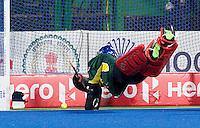 RAIPUR (India) . Christopher Rühr (Dui.)scores for Germany, goalie Tyler Lovell (Aus) tries to stop the bal   Hockey World League Final  men . AUSTRALIA v GERMANY.   © Koen Suyk/Treebypictures/WSP