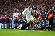 England's Jonny May beats New Zealand's Israel Dagg to go on and score - QBE Autumn Internationals - England vs New Zealand - Twickenham Stadium - London - 08/11/2014 - Pic Charlie Forgham-Bailey/Sportimage