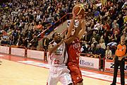 DESCRIZIONE : Pistoia Lega serie A 2013/14 Giorgio Tesi Group Pistoia Victoria Libertas Pesaro<br /> GIOCATORE : gibson kyle<br /> CATEGORIA : rimbalzo<br /> SQUADRA : Giorgio Tesi Group Pistoia<br /> EVENTO : Campionato Lega Serie A 2013-2014<br /> GARA : Giorgio Tesi Group Pistoia Victoria Libertas Pesaro<br /> DATA : 24/11/2013<br /> SPORT : Pallacanestro<br /> AUTORE : Agenzia Ciamillo-Castoria/GiulioCiamillo<br /> Galleria : Lega Seria A 2013-2014<br /> Fotonotizia : Pistoia Lega serie A 2013/14 Giorgio Tesi Group Pistoia Victoria Libertas Pesaro<br /> Predefinita :