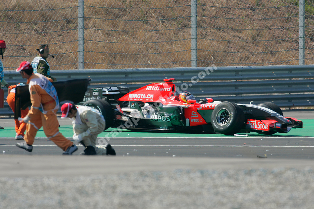 Tiago Monteiro (Midland-Toyota) crashed out of the 2006 Turkish Grand Prix in Istanbul Park in the first corner. Photo: Grand Prix Photo