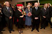 Staatsbezoek van de President van Slowakije , Zijne Excellentie president Ivan Gasparovic en zijn echtgenote Silvia Gasparovicova.<br /> <br /> Statevisit of the President of  Slowakije Ivan Gasparovic and his wife  Silvia Gasparovicova.<br /> <br /> Op de foto/ On the photo: <br /> <br />  Koningin Beatrix en president Ivan Gasparovic bezoeken het Leerorkest in Amsterdam Zuid Oost.