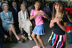"""A princesa Benedikte da Dinamarca visita o projeto comunitário """"Cultura da Paz...Combate à Fome"""", no Lar Fabiano de Cristo (140 famílias e 41 idosos) –  iniciativa que recebeu em 1998 e 1999 prêmio da FAO/ONU. Benedikte, de 61 anos, é filha do falecido Rei Frederik IX e sua irmã é Margrethe II, atual Rainha da Dinamarca. FOTO: Jefferson Bernardes/Preview.com"""