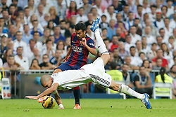 25.10.2014, Estadio Santiago Bernabeu, Madrid, ESP, Primera Division, Real Madrid vs FC Barcelona, 9. Runde, im Bild Real Madrid´s Pepe (R) and Barcelona´s Pedro Rodriguez // during the Spanish Primera Division 9th round match between Real Madrid CF and FC Barcelona at the Estadio Santiago Bernabeu in Madrid, Spain<br /> <br /> ***** NETHERLANDS ONLY *****
