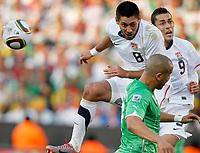 Fotball<br /> VM 2010<br /> USA v Algerie<br /> 23.06.2010<br /> Foto: Gepa/Digitalsport<br /> NORWAY ONLY<br /> <br /> Bild zeigt Clint Dempsey, Herculez Gomez (USA) und Madjid Bougherra (ALG).