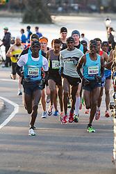 lead pack of elite men, Sambu, Farah, Korir
