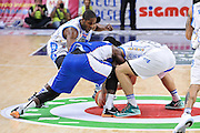 DESCRIZIONE : Campionato 2014/15 Serie A Beko Dinamo Banco di Sardegna Sassari - Acqua Vitasnella Cantu'<br /> GIOCATORE : Jerome Dyson Darius Johnson-Odom<br /> CATEGORIA : Palla Contesa<br /> SQUADRA : Dinamo Banco di Sardegna Sassari<br /> EVENTO : LegaBasket Serie A Beko 2014/2015<br /> GARA : Dinamo Banco di Sardegna Sassari - Acqua Vitasnella Cantu'<br /> DATA : 28/02/2015<br /> SPORT : Pallacanestro <br /> AUTORE : Agenzia Ciamillo-Castoria/L.Canu<br /> Galleria : LegaBasket Serie A Beko 2014/2015