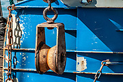 Rusty pulley block