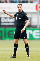 referee Pol van Boekel during the Dutch Eredivisie match between ADO Den Haag and PSV Eindhoven at Cars Jeans stadium on April 29, 2018 in The Hague, The Netherlands