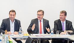 21.03.2018, VP Landesgeschäftsstelle, Innsbruck, AUT, Regierungsbildung Tirol, Landesversammlung Tiroler OeVP, Abstimmung über den Koalitionspakt mit der ÖVP, im Bild v.l. Martin Malaun (ÖVP-Landesgeschäftsführer), LH Günther Platter, VP-Klubobmann Jakob Wolf // during the provincial assembly of the Tyrolean peoples party (OeVP) in Innsbruck, Austria on 2018/03/21. EXPA Pictures © 2018, PhotoCredit: EXPA/ Johann Groder