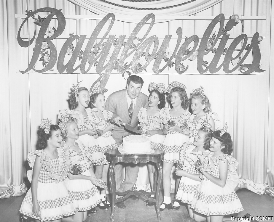 1946 Ken Murray and the Babylovelies at the Blackouts