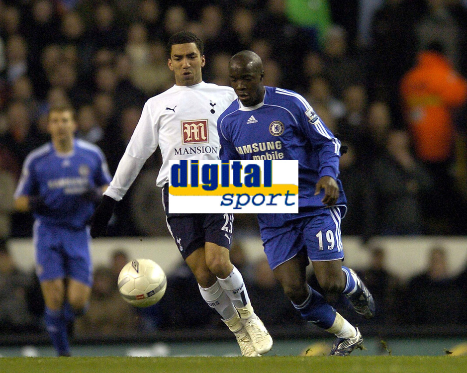 Photo: Olly Greenwood.<br />Tottenham Hotspur v Chelsea. The FA Cup, Quarter Final replay. 19/03/2007. Spurs Aaron Lennon and Chelsea's Lassana Diarra