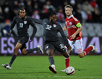 Fotball , 18. november 2009 ,  Danmark - USA<br /> Tor 0:1 Jeffrey Cunningham USA , Martin Jorgensen , links Ricardo Clark<br /> <br /> Norway only