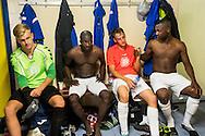 Foto: Gerrit de Heus. Driehuis. 14-07-2015. Elftal VVCS. De kleedkamer na de wedstrijd vlnr: Luke Kairies, Jeremias Carlos David, Simon van Zeelst en Cendrino Misidjan.