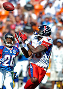 February 10, 2007, Honolulu, Hawaii, USA;  Andre Johnson of the Houston Texans beats Ronde Barber of the Tampa Bay Buccaneers on a pass play from Quarterback Carson Palmer of the Cincinnati Bengals during the 2007 NFL Pro Bowl at Aloha Stadium.