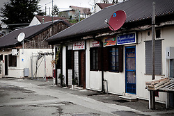 Potenza (PZ), 23-11-2010 ITALY - Il quartiere Bucaletto. Bucaletto è un quartiere popolare della periferia est di Potenza. Fu progettato all'indomani del terremoto dell'Irpinia del 23 novembre 1980, per risolvere i problemi delle famiglie sfollate a causa dei crolli di alcune abitazioni della città, difatti è caratterizzato dalla presenza di abitazioni singole, in prefabbricati..Nella Foto: I moduli abitativi del quartiere.