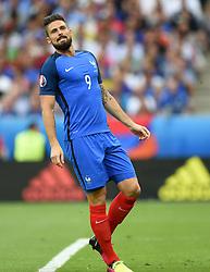Olivier Giroud of France cuts a frustrated figure  - Mandatory by-line: Joe Meredith/JMP - 10/07/2016 - FOOTBALL - Stade de France - Saint-Denis, France - Portugal v France - UEFA European Championship Final
