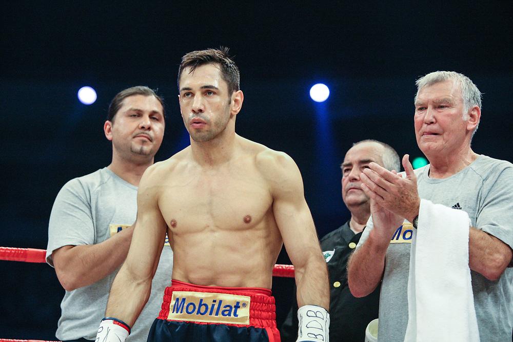 BOXEN: Middleweight, Felix Sturm - Predrag Radosevic, Dortmund, 06.07.2013<br /> Felix Sturm (GER) und Trainer Fritz Sdunek<br /> ©Torsten Helmke