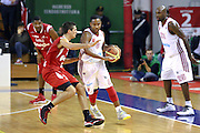 DESCRIZIONE : Varese Lega A 2013-14 Cimberio Varese vs Grissin Bon Reggio Emilia <br /> GIOCATORE : Clark<br /> CATEGORIA : Palleggi<br /> SQUADRA : Varese<br /> EVENTO : Campionato Lega A 2013-2014<br /> GARA : Cimberio Varese Grissin Bon Reggio Emilia<br /> DATA : 13/10/2013<br /> SPORT : Pallacanestro <br /> AUTORE : Agenzia Ciamillo-Castoria/I.Mancini<br /> Galleria : Lega Basket A 2012-2013  <br /> Fotonotizia : Cimberio Varese  Lega A 2013-14 Cimberio Varese vs Grissin Bon Reggio Emilia<br /> Predefinita :