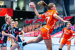 Debbie Bont of Netherlands in action during the Women's EHF Euro 2020 match between Netherlands and Norway at Sydbank Arena on december 10, 2020 in Kolding, Denmark (Photo by RHF Agency/Ronald Hoogendoorn)
