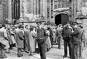Nederland, Nijmegen, 10-5-1985Op deze dag 45 jaar geleden brak de tweede wereldoorlog uit . In de Stevenskerk vindt een viering plaats om deze gebeurtenis te herdenken .Foto: Flip Franssen