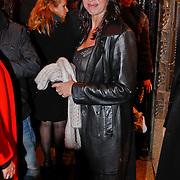 NLD/Amsterdam/20101214 - Inloop premiere LOFT, Isa Hoes