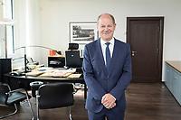 28 AUG 2020, BERLIN/GERMANY:<br /> Olaf Scholz, SPD, Bundesfinanzminister, in seinem Buero, Bundesministerium der Finanzen<br /> IMAGE: 20200828-01-046