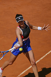 May 6, 2018 - Madrid, Spain - Garbine Muguruza against Shuai Peng during day two of the Mutua Madrid Open tennis tournament at the Caja Magica on May 6, 2018 in Madrid, Spain. (Credit Image: © Oscar Gonzalez/NurPhoto via ZUMA Press)