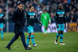 25-02-2017 NED: Feyenoord - PSV, Rotterdam<br /> 24e speelronde van seizoen 2016-2017, De Kuip / Coach Giovanni Bronckhorst