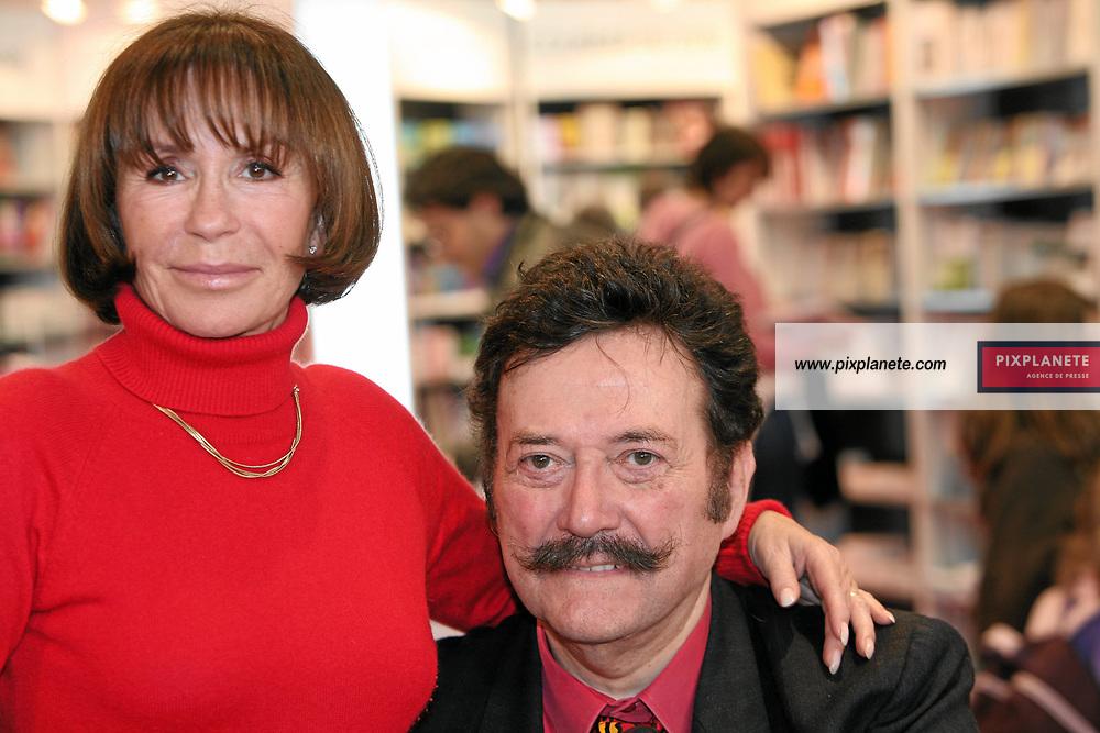 Danièle Evenou et le Docteur Houdret - Salon du livre - Paris, le 25/03/2007 - JSB / PixPlanete