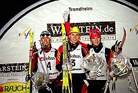 Kombinert. Verdenscup. FIS World Cup. Granåsen, Trondheim.<br />06.12.2002.<br />Fra venstre: Johnny Spillane, USA (4), Björn Kircheisen, Tyskland og Georg Hettich, Tyskland. <br />Foto: Carl-Erik Eriksson, Digitalsport