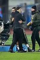 """L'Alleantore Vincenzo Montella Milan abbraccia Gianluca Lapadula Milan<br /> Empoli 26-09-2016  Stadio """"Carlo Castellani""""<br /> Campionato Serie A 2016/2017<br /> Empoli - Milan<br /> Foto Luca Pagliaricci / Insidefoto"""