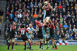 Saracens Flanker (#7) Will Fraser wins a lineout during the first half of the match - Photo mandatory by-line: Rogan Thomson/JMP - Tel: Mobile: 07966 386802 30/12/2012 - SPORT - RUGBY - stadiummk - Milton Keynes. Saracens v Northampton Saints - Aviva Premiership.