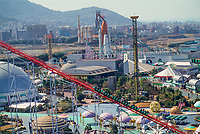©Tom Wagner 2004<br /> Space World (closed steel hill - first modern hill - background)<br /> Japan Lifestyle Entertainment