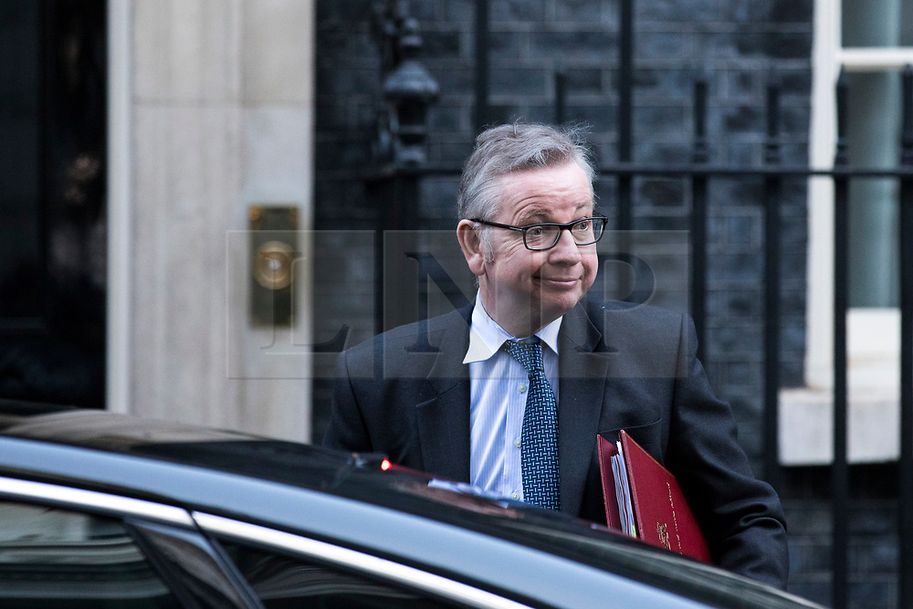 © Licensed to London News Pictures. 18/12/2017. London, UK. Secretary of State for Environment, Food and Rural Affairs Michael Gove arrives on Downing Street for a special Cabinet meeting in which ministers are expected to discuss the Brexit end deal. Photo credit: Rob Pinney/LNP