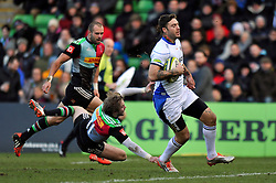 Matt Banahan of Bath Rugby runs in a try - Photo mandatory by-line: Patrick Khachfe/JMP - Mobile: 07966 386802 31/01/2015 - SPORT - RUGBY UNION - London - The Twickenham Stoop - Harlequins v Bath Rugby - LV= Cup