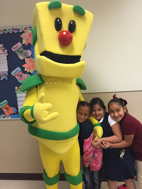 Clicky visits Bonner ES to teach students about Internet safety.