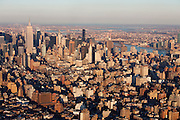New York, New York. Etats Unis. 17 Decembre 2010.Vue aerienne depuis un helicoptere..New York, New York. United States. December 17th 2010.Aerial view from an helicopter..