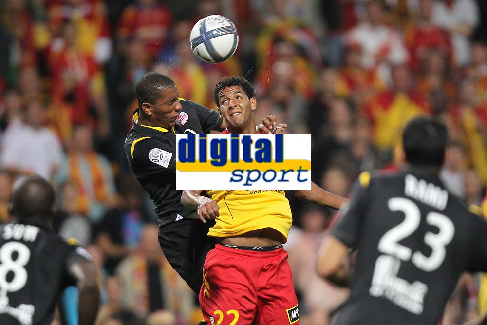 FOOTBALL - FRENCH CHAMPIONSHIP 2010/2011 - L1 - RC LENS v LILLE OSC - 11/09/2010 - PHOTO ERIC BRETAGNON / DPPI - ISSAM  JEMAA (LENS) / EMERSON (LOSC)