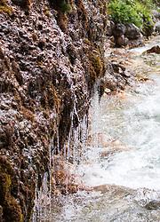 THEMENBILD - die Triefen ist ein Naturwunder, Erholungsort und steht seit 2001 unter Naturschutz. Beim Naturdenkmal in Maria Alm handelt es sich um einen regenartigen Tropfenvorhang, der über einer wasserundurchlässigen Gesteinsschicht aus etwa 2 - 3 Meter Höhe auf breiter Front zur Urslau hin abfällt. Der horizontale Verlauf der Quelle ist von wissenschaftlicher Bedeutung, aufgenommen am 27. Mai 2018, Maria Alm, Österreich // The Triefen is a natural wonder, resort and is since 2001 under protection. The natural monument in Maria Alm is a rain-like drop curtain which drops over a water-impermeable rock layer from about 2 - 3 meters in height on a broad front to the Urslau. The horizontal course of the source is of scientific importance on 2018/05/27, Maria Alm, Austria. EXPA Pictures © 2018, PhotoCredit: EXPA/ Stefanie Oberhauser