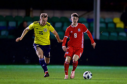 RHYL, WALES - Wednesday, November 14, 2018: Wales' Dylan Levitt and Scotland's Kerr Mcinroy during the UEFA Under-19 Championship 2019 Qualifying Group 4 match between Wales and Scotland at Belle Vue. (Pic by Paul Greenwood/Propaganda)