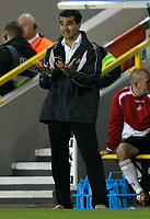 Photo: Tom Dulat/Sportsbeat Images.<br /> <br /> Millwall v Swansea City. Coca Cola League 1. 06/11/2007.<br /> <br /> Manager Swansea City Roberto Marinez
