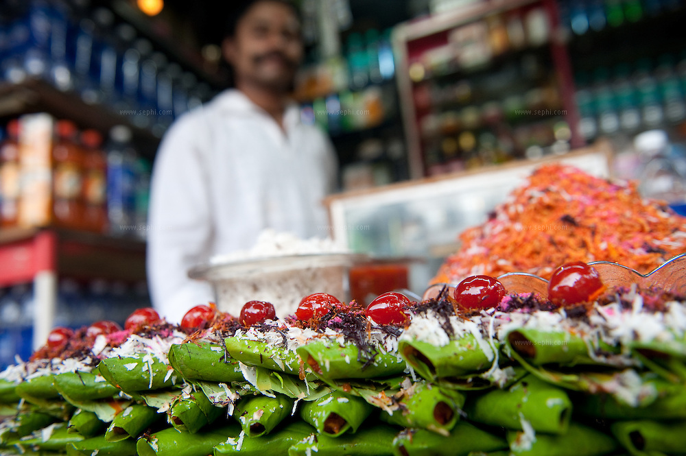 sweet paan at a stall on chowpati beach. Mumbai, August 2009
